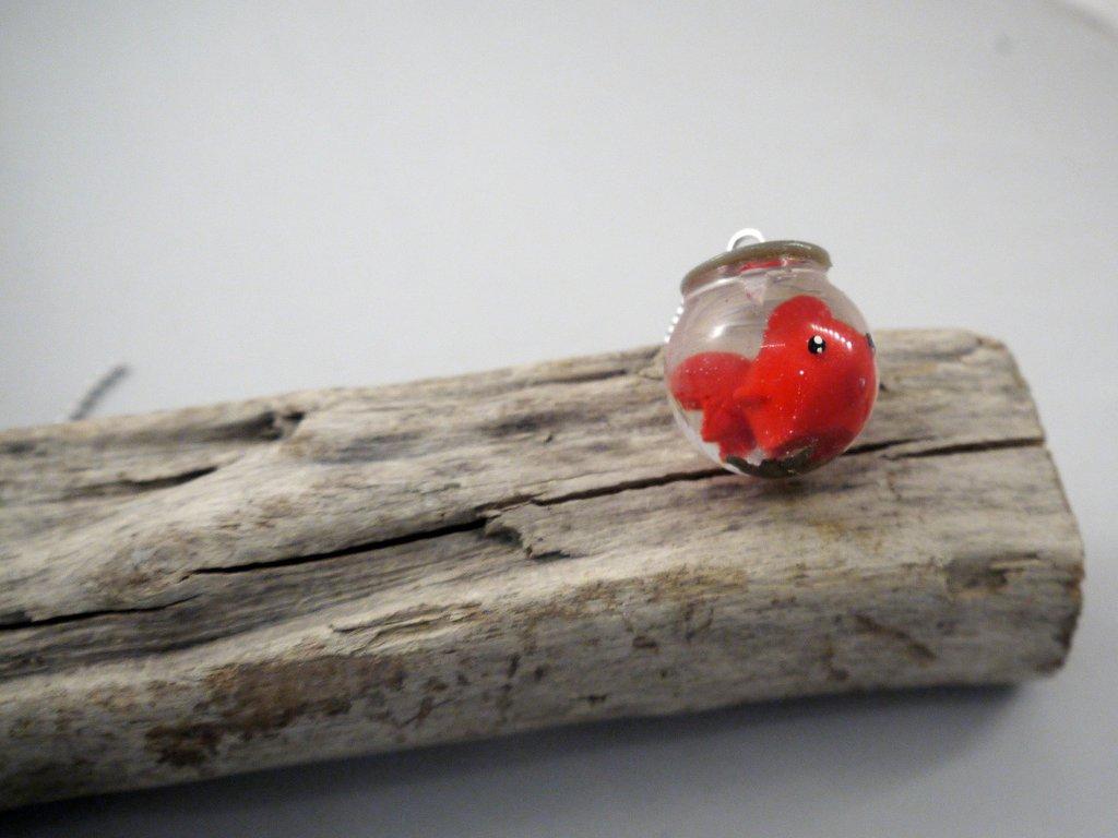 Collana Pesce Rosso Nella Boccia