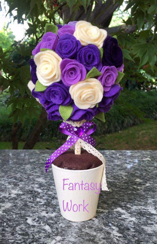 Pomander di roselline di feltro lilla, viola e panna