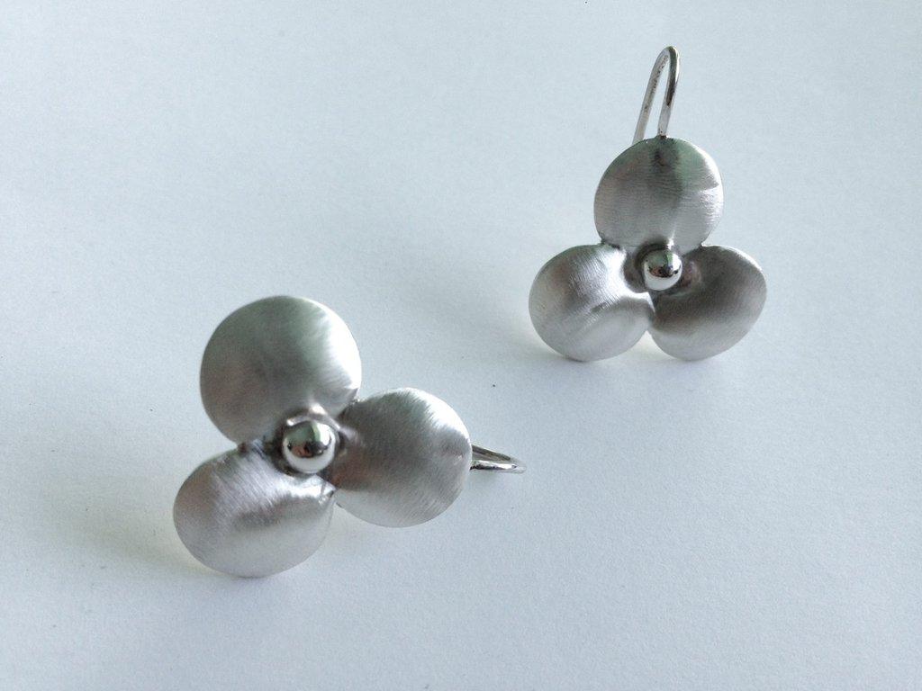 Orecchini fiori argento
