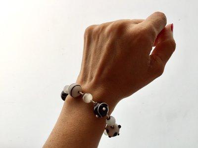 Bracciale con perle di vetro