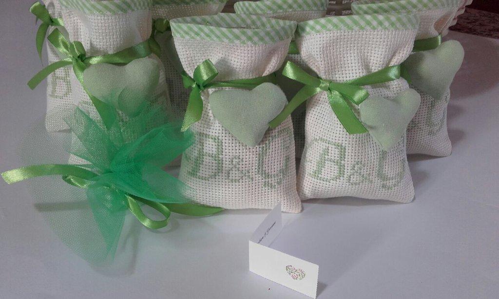 Bomboniere Promessa di matrimonio, sacchetti porta confetti ricamati