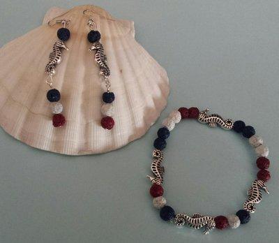 Orecchini e bracciale cavallucci marini e pietra lavica