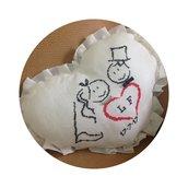 Cuscino a cuore con sposi per matrimonio