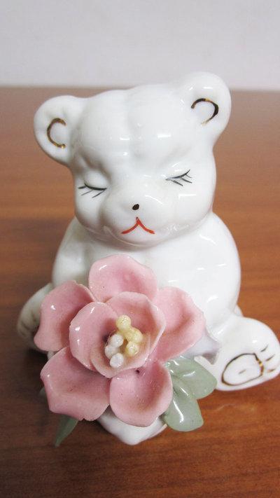 Bomboniera ceramica orsacchiotto con fiore