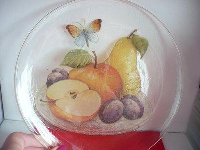 piatto vetro con frutta