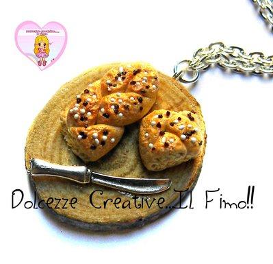 Collana vassoio con pane al sesamo - miniature  - pane in treccia - handmade handmade