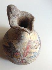 Piccola brocca in terracotta dipinta a mano
