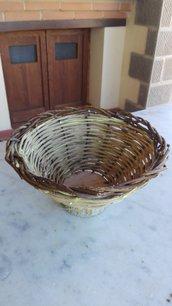 cestino porta frutta o uova intrecciato a mano di vitalba, noce e vinco