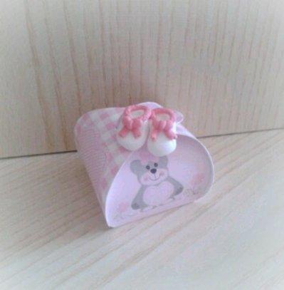 Bomboniera scarpine bimba scatolina torta confettata nascita battesimo