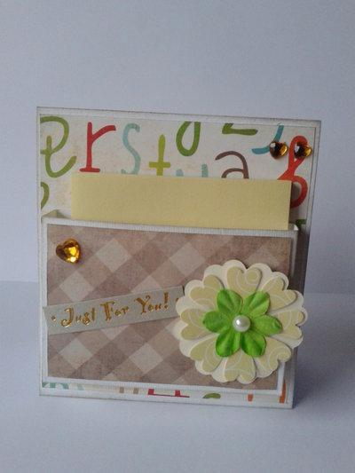 Porta notes da scrivania bianco decorato con fiori