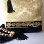 Pochette elegante in seta