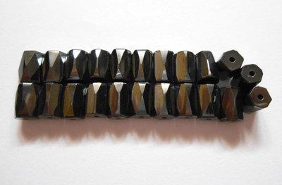 22 perle in ematite magnetica