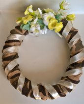 Ghirlanda con fiori coroncina decorazione casa con fiori
