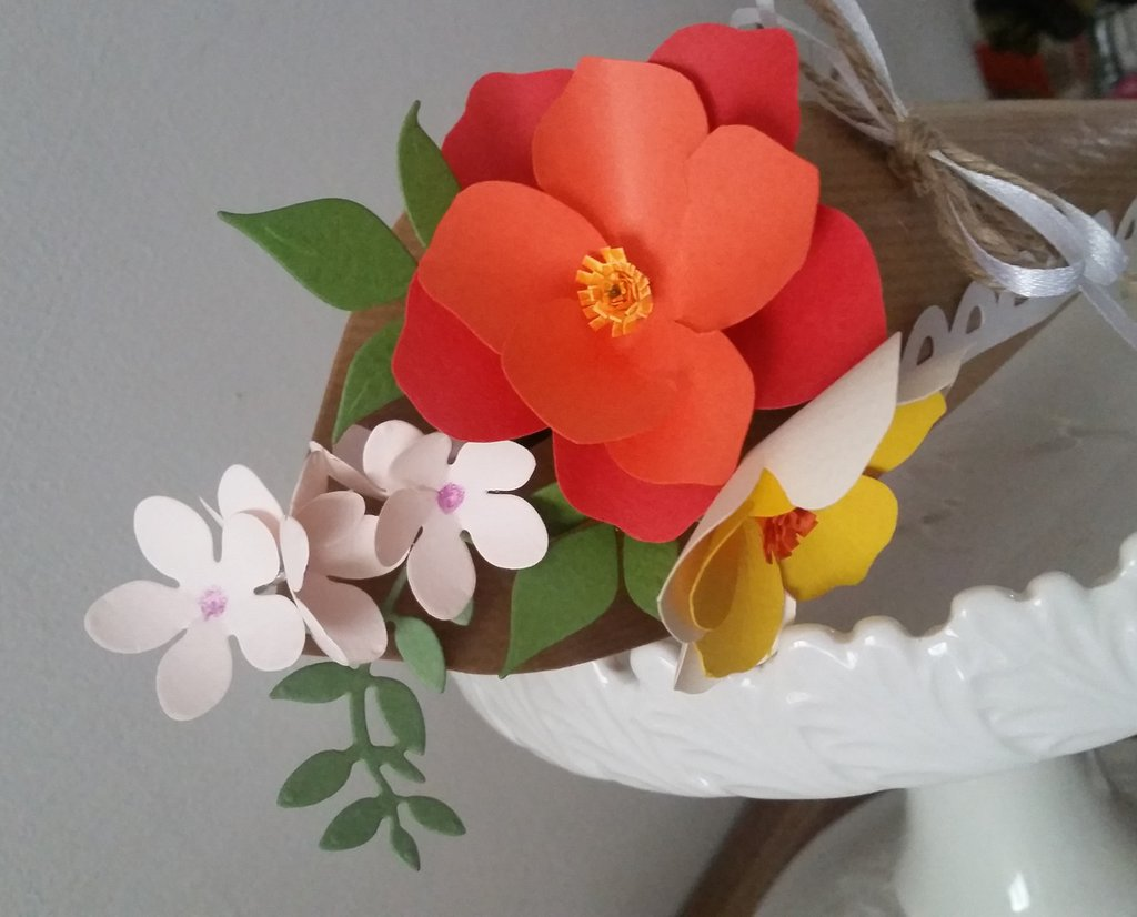 Mini Bouquet fiori di carta in cono