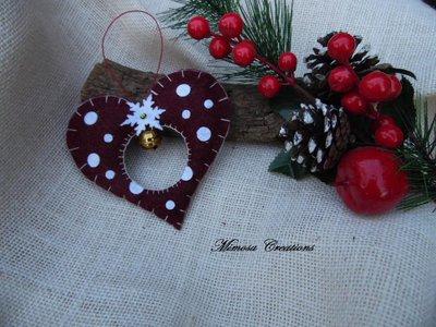 Decorazioni Natalizie in feltro cuore con campana bordeaux