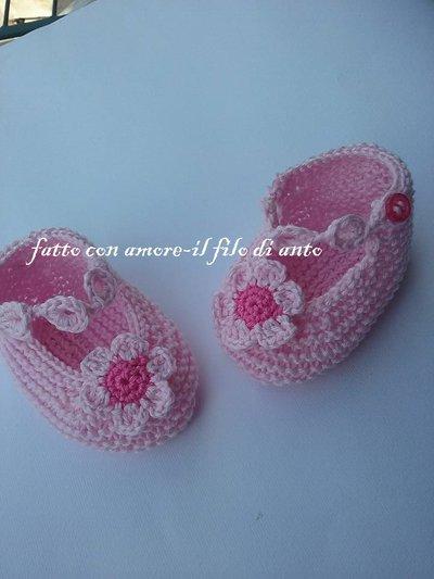 Scarpine bambina rosa con margherita fatta a mano /knitting