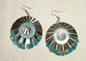 Orecchini: Medaglioni decorati e colorati