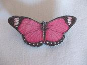 Spilla a forma di farfalla rosa