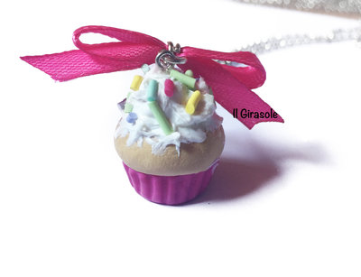 Collana cupcake fimo fucsia con granelle di zucchero colorate