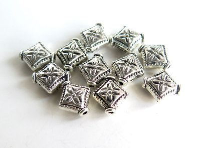 10 Distanziatori in argento tibetano rombo DIS 2