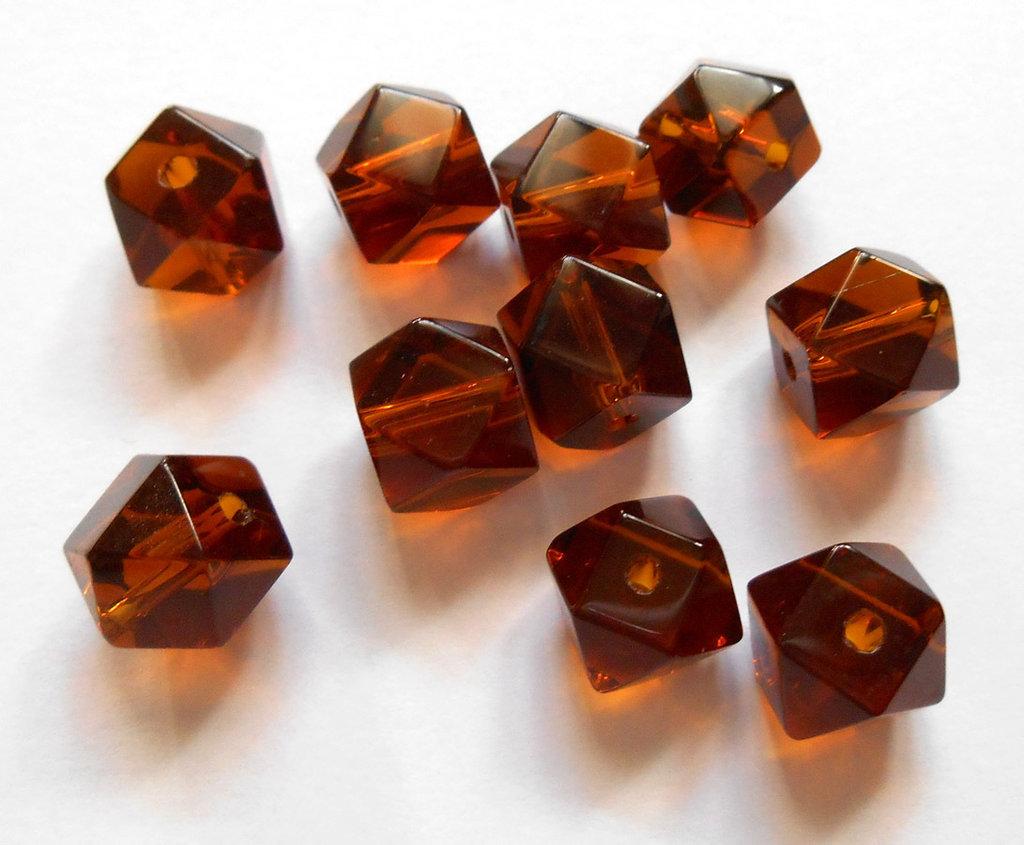 10 perle a cubo sfaccettato marrone