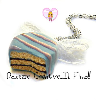 Collana cioccolatino glassato celeste - miniature kawaii handmade