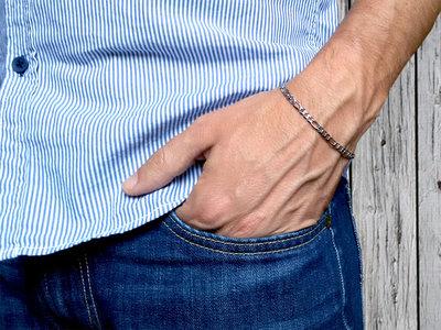 Bracciale uomo in acciaio inox unisex, a catena maglia Figaro in acciaio. Idea regalo per lui