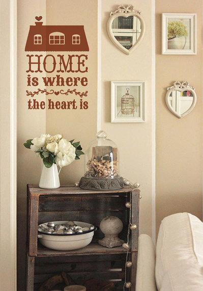 """Adesivo decorativo modello """"Home is"""""""