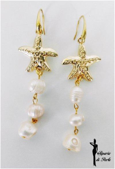 Orecchini con stella marina e perle d'acqua dolce