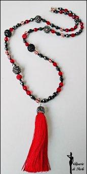 Collana lunga con cristalli, strass e nappina in seta e marcasite - ROSSO/GRIGIO