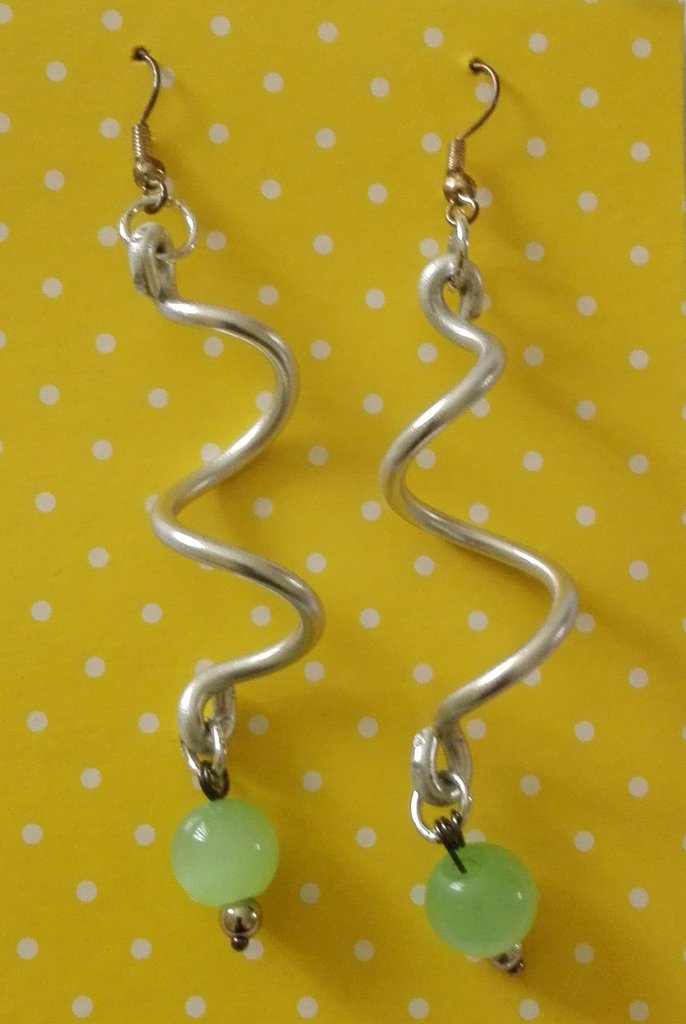 Orecchini a spirale con filo di alluminio