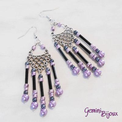 Orecchini chandelier tubi neri e perline