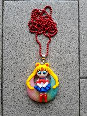 collana con Sailor Moon su luna fimo
