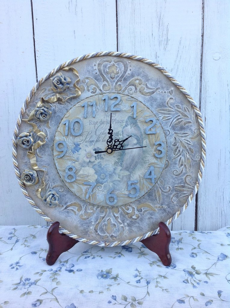 Orologio in legno fatto a mano