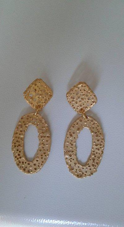 Per Agata inserzione privata orecchini in zama
