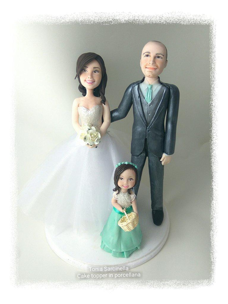 Cake topper sposi con bimba