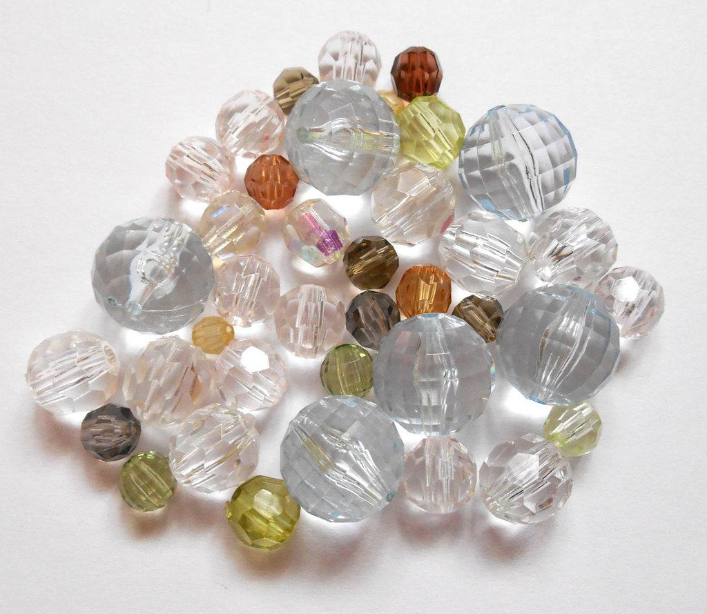 Lotto misto perle acriliche sfaccettate 38pz
