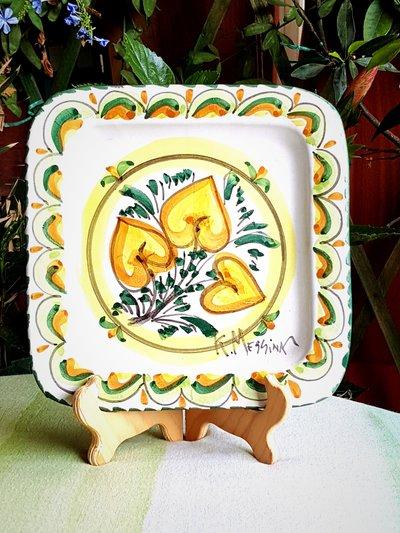 Piatto in ceramica. Piatto decorativo da appendere. Le ceramiche di Ketty Messina.