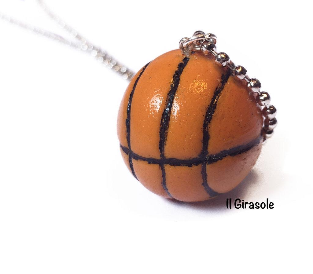 Collana palla da basket lunga in pasta polimerica fimo