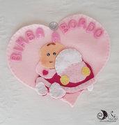 Bimba a bordo cuore rosa con macchina e bebè con ventosa per auto realizzato a mano personalizzabile