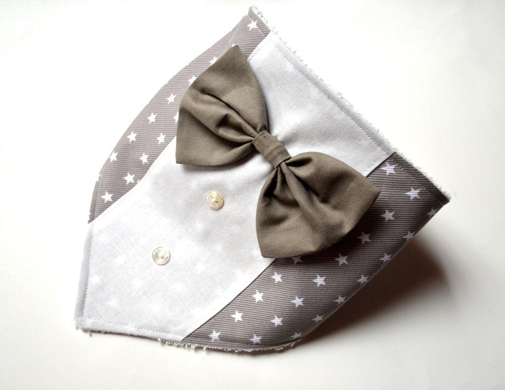 Bavaglino bandana grigio a stelle bianche con papillon
