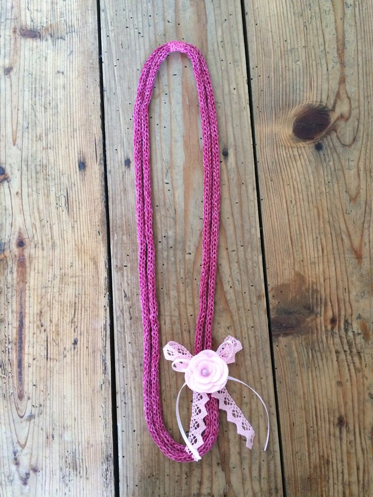 Collana in cotone shabby sfumata rosa