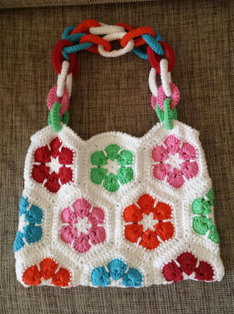 Granny esagonale per borsa colorata all'uncinetto