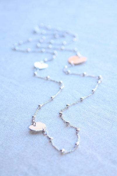 Collana d'argento con cuori pendenti