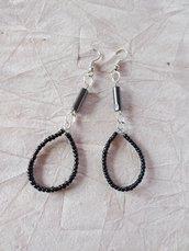 orecchini goccia con perline di ceramica ed ematite pendenti lunghi