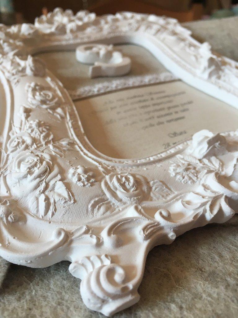 Cornice romantica in polvere di ceramica profumata