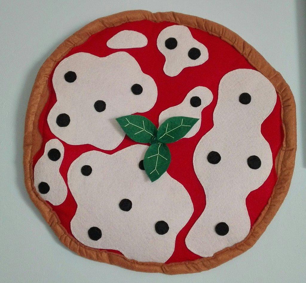 Pizza in pannolenci