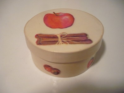 scatola mela-cannella
