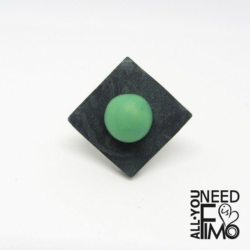 Anello effetto pietra|anello geometrico|anello rombo fimo|anello regolabile|anello fimo|anello verde opale|anello giada|idea regalo|autunno