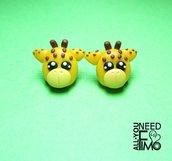 Orecchini giraffe|orecchini animali|orecchini fimo|orecchini chiodino|giraffa fimo|orecchini lobo|regalo bambina